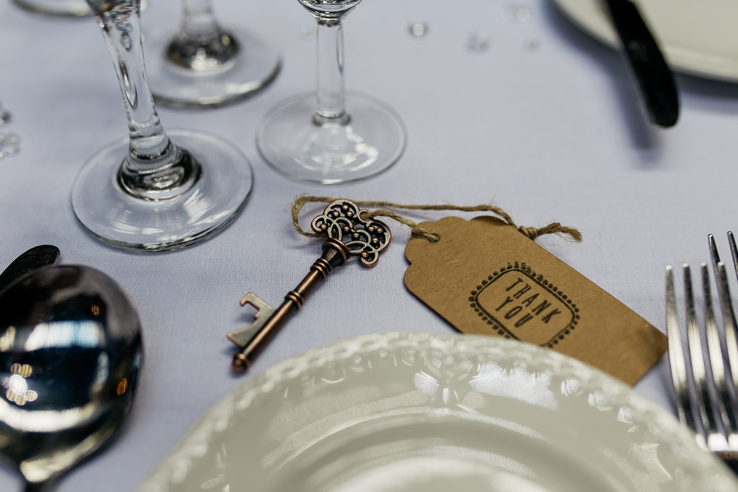 key and thank you note wedding favour