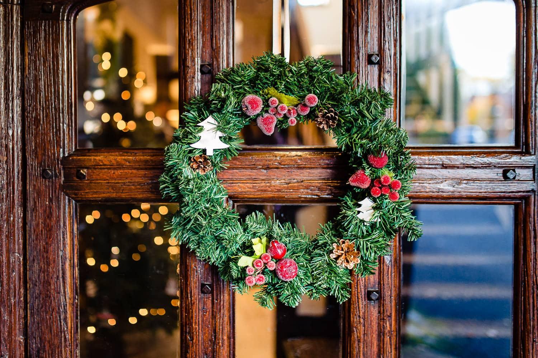 warwickshire wedding photographers christmas wreath