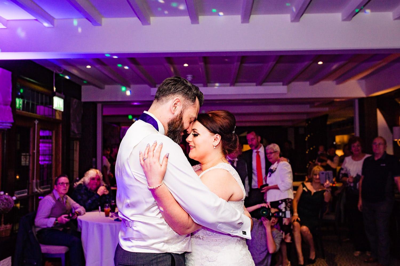 warwickshire wedding photographers capture first dance
