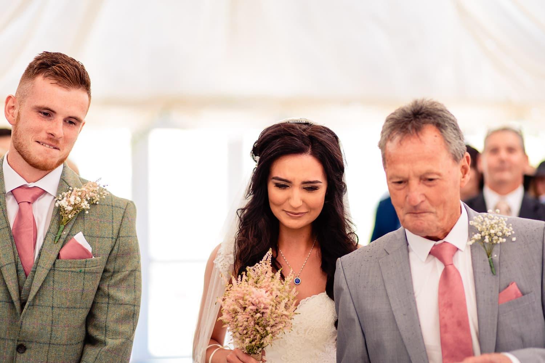 The Granary at Fawsley Wedding venue in Northampton hosts a beautiful barn wedding